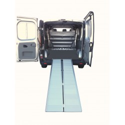 RAMPA DE CARGA PLEGABLE DE ALUMINIO DE  2100x730mm.